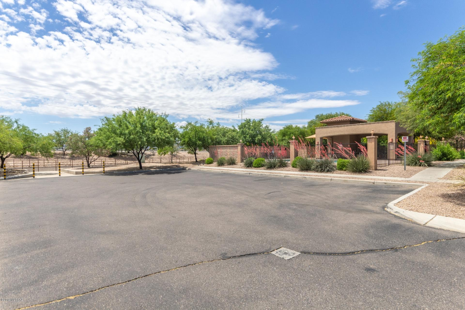 2256 W Floral Cliff Way-23